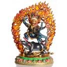 Vajrabhairava Yamamtaka und Vajravetali auf Yama den Stier reitende Statue in der Vorderansicht